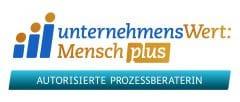 Logo_UWM_Zusatz_Prozesseraterin_CMYK
